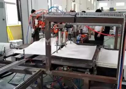 塑料编织袋套内袋机 蛇皮袋套塑料袋机器视频