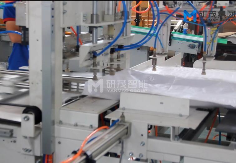 全自动编织袋套内膜机  化肥袋防潮防水套内袋机